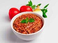Италиански сос за паста (спагети, макарони) Миланезе с телешка кайма, гъби, сметана и домати от консерва
